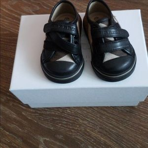 burberry shoes size 17